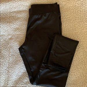 Black shiney legging